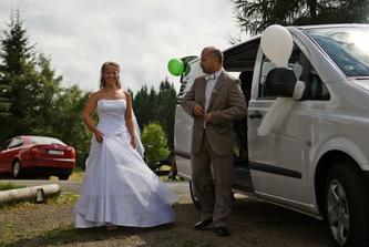 přijela nevěsta :)