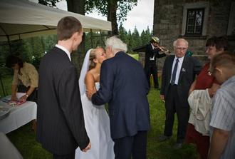 děda taky plakal :)