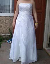 Konečně jsme vybrali i svatební šaty