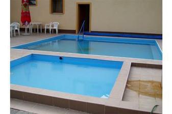 detail bazénov