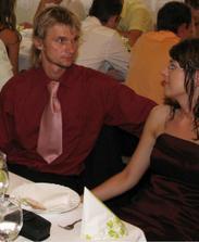 Môj miláčik a ja na svadbe známych
