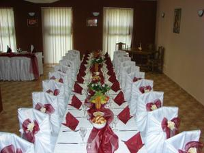 sála bočný stôl