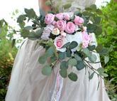 Svatební kytice z umělých květin...http://www.kultdesign.cz/666design-cz/eshop/32-1-SVATEBNI-KYTICE