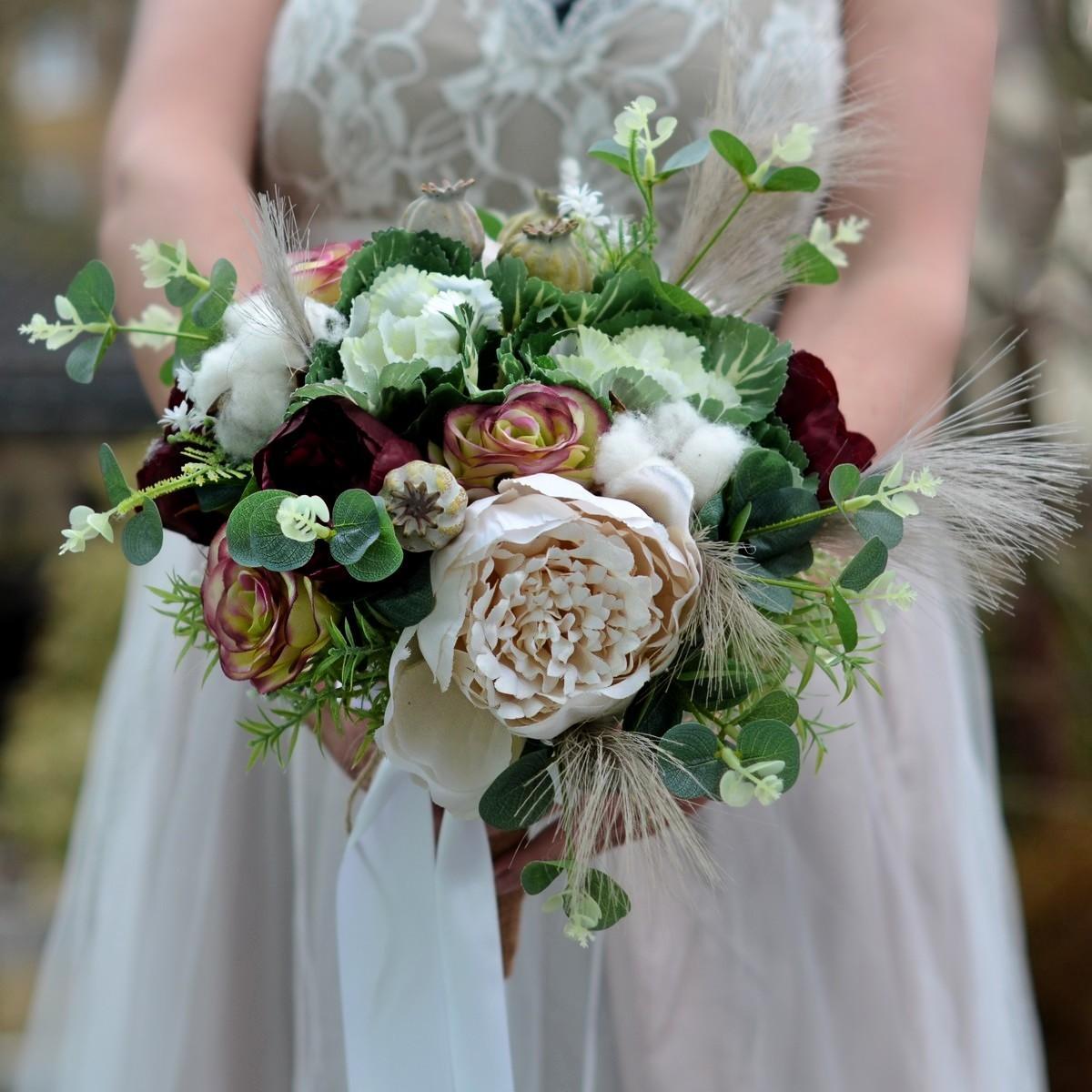 Svatební kytice okrasné zelí :) a další neuvěřitelné komponenty - https://www.kultdesign.cz/666design-cz/eshop/32-1-SVATEBNI-KYTICE/0/5/3565-Svatebni-kytice-Boho-Pampalea-spona-do-vlasu-a-korsaz