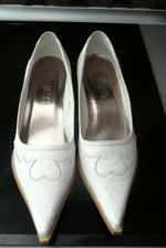 Náhradní boty, také nebudou vidět :)
