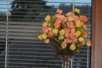 Květiny na dekoraci do restaurace
