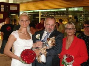 s tatinkem, sestrou a Tobikem