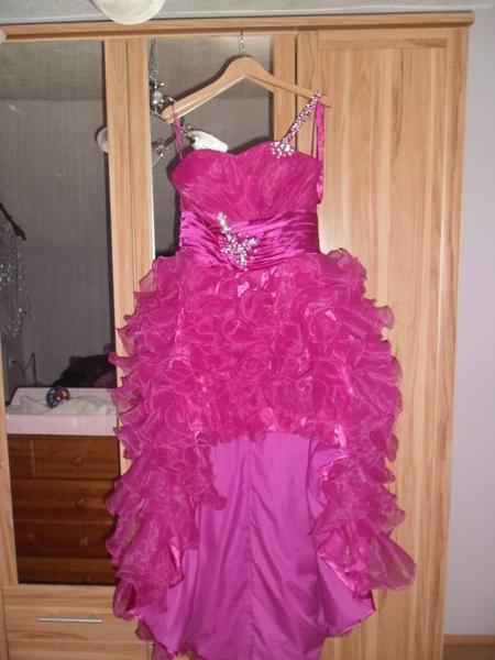 A nakoniec spoločenské šaty... - Obrázok č. 2