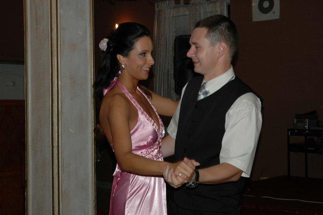 Olinka Surová{{_AND_}}Andy Fehér - redový tanec