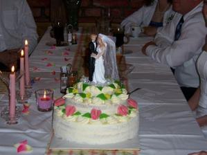 Náš dortík! Mňam. Mňam