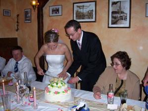 A tady se pereme s dortem