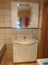 Kúpeľnový nábytok českého výrobku Keramia Pro vrele odporúčam pretože je nielen kvalitný alej aj krásny - snehovo biely