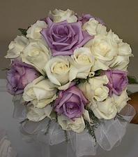 krása naše svatba by měla být fialovo-zelená