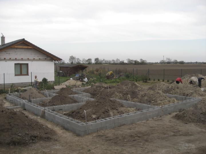 Raz to bude krásny domov... - 31/10/2010 - po dvoch dnoch umornej prace takmer hotovo