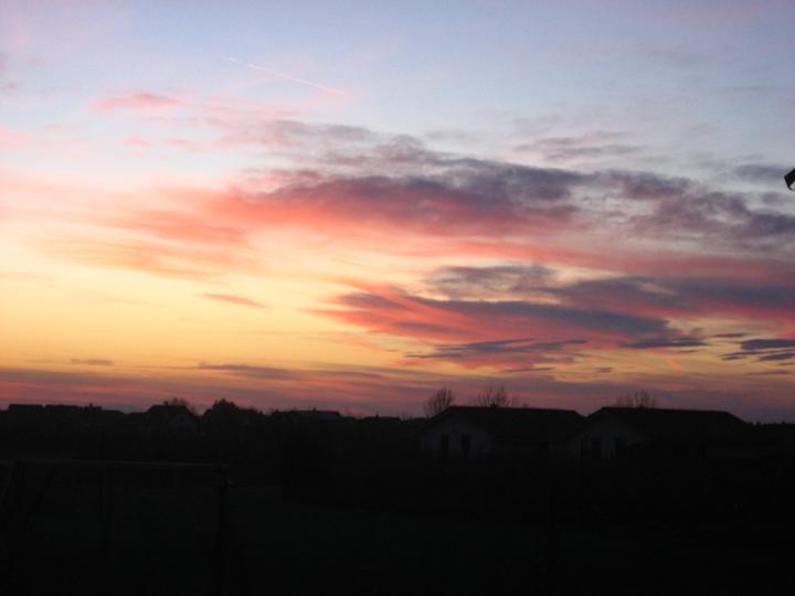 Raz to bude krásny domov... - a klasicky zapad slnka :)