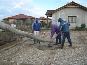 24/11/2010 - betonujeme zakladovu dosku