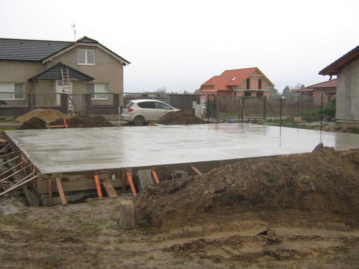 Raz to bude krásny domov... - a konecne HOTOVO, prvy velky milnik za nami :)