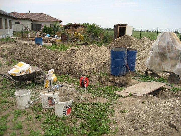 Raz to bude krásny domov... - ozaj to tu vyzera ako na stavenisku :)