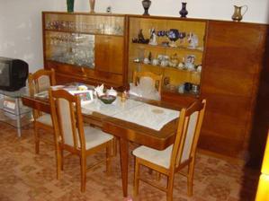 Babina si nechala pôvodný nábytok, vraj to nové, čo sa dnes vyrába, nestojí za nič :-)!