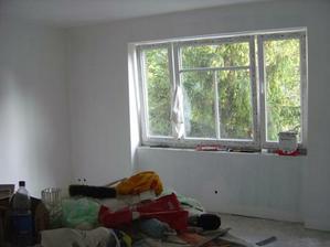 Nové okná, konečne je u nás tichšie, keďže bývame pri frekvenovanej ceste, je to hotový zázrak.