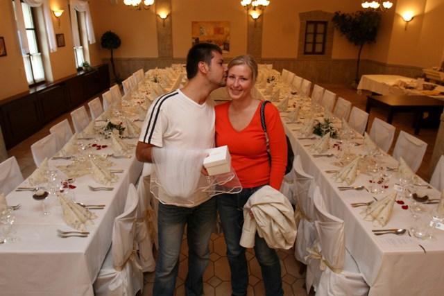 Tánička{{_AND_}}Tomino - V hoteli ráno pred svadbou.
