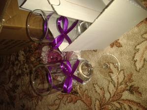 skleničky na přípitek pro novomanžele