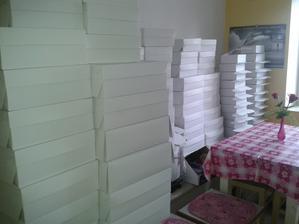 krabičky nachystány