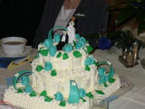 dort jsem viděla až na hostině a byla jsem trošku v šoku, růže měly být modre, ale ....