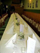i z klasicke pivnice se da udelat prijemne misto na svatebni party