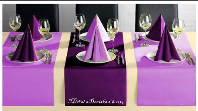 naše jednoduchá svatební tabule ;-) pěkně čisté ...