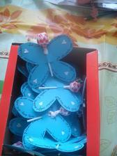 Místo mandlí, každý host dostane motýlka :-)
