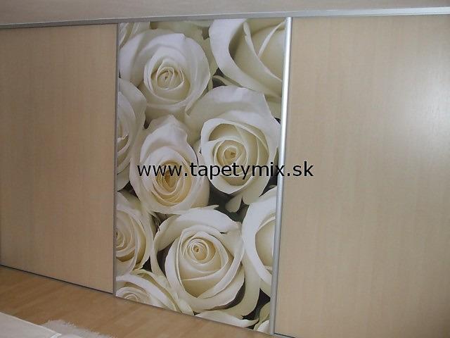 Fototapety na vestavěné skříne, nábytek, dveře - REALIZACE - Fototapeta na vestavěné skříni - Ruže
