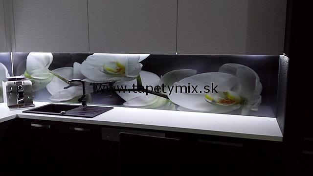Fototapety do kuchyně - na kuchyňskou linku, na zeď, na skřínky - Fototapeta Orchidej na míru na kuchynské zástěne - REALIZACE