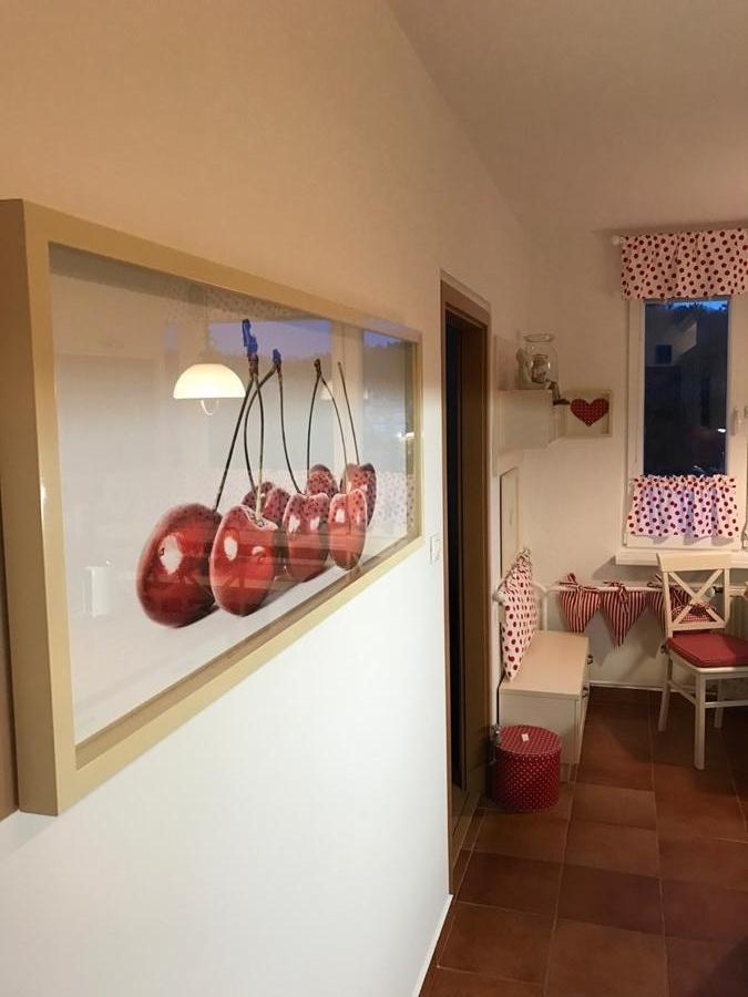 Fototapety do kuchyně - na kuchyňskou linku, na zeď, na skřínky - zarámovaná samolepiaca fototapeta na mieru