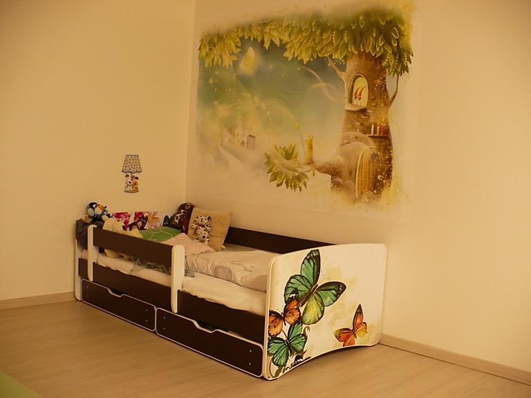 Fototapety do dětského pokoje - relaizace tapety - pohádkový strom
