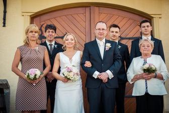 tak to jsme my, naše family :-). PS: víc nás na svatbě nebylo ;-)