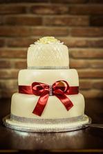 náš dort -- byl naprosto luxusní :-)