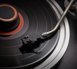DJ zamluven...ozvučí i obřad.