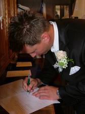 ...potvrdené podpisom