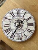 Vintage hodiny, funkční na zeď nebo jako dekorace,