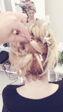 Naznačeni účesu, aneb jak z krátkých vlasů něco udělat 😂