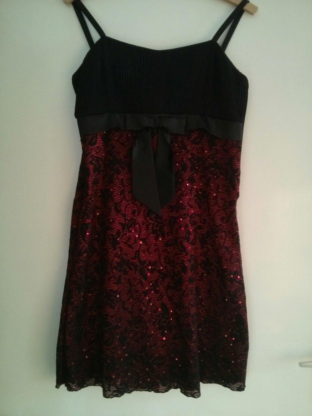 Čierne šaty s mašlou - Obrázok č. 2