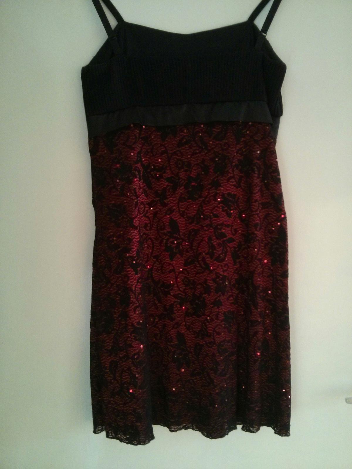 Čierne šaty s mašlou - Obrázok č. 4