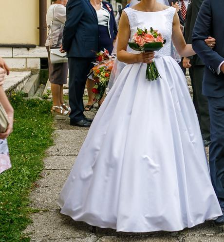 Svadobné šaty + kruh - Obrázok č. 3