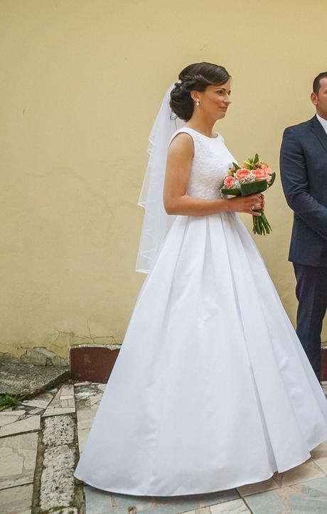 Svadobné šaty + kruh - Obrázok č. 4