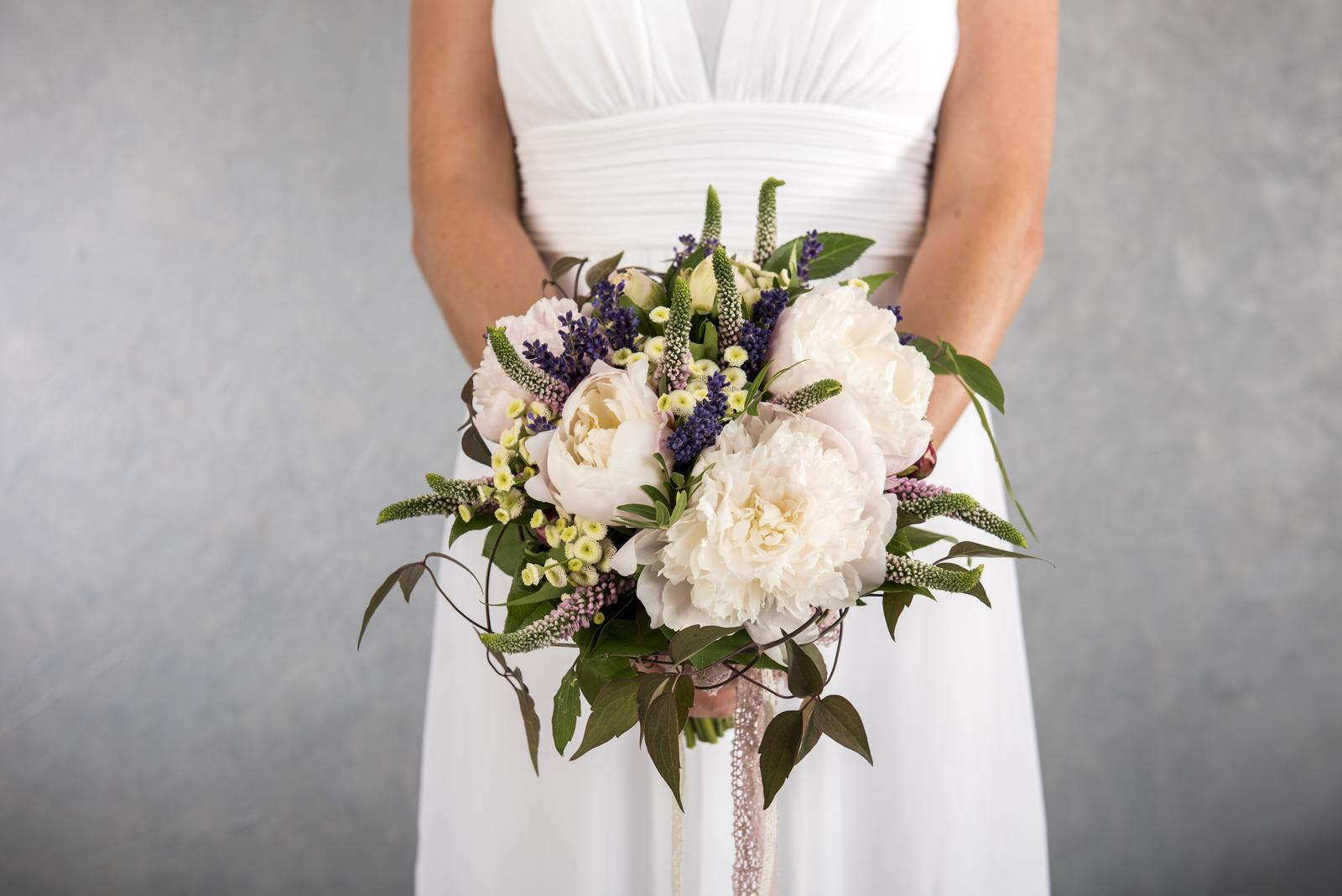 janakatka - Pivoňková svatební kytice