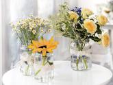 dekorace stolů na luční svatbu