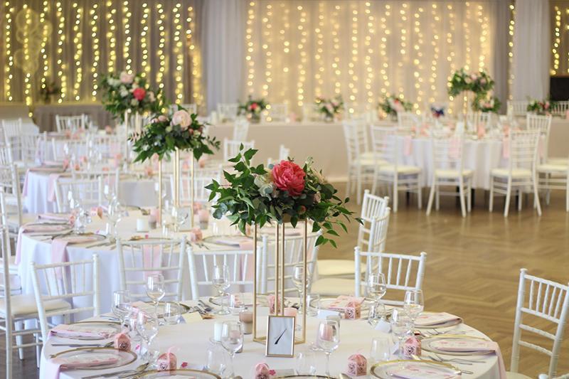 Ak snívate o svadbe v ružovom... :) - Obrázok č. 8
