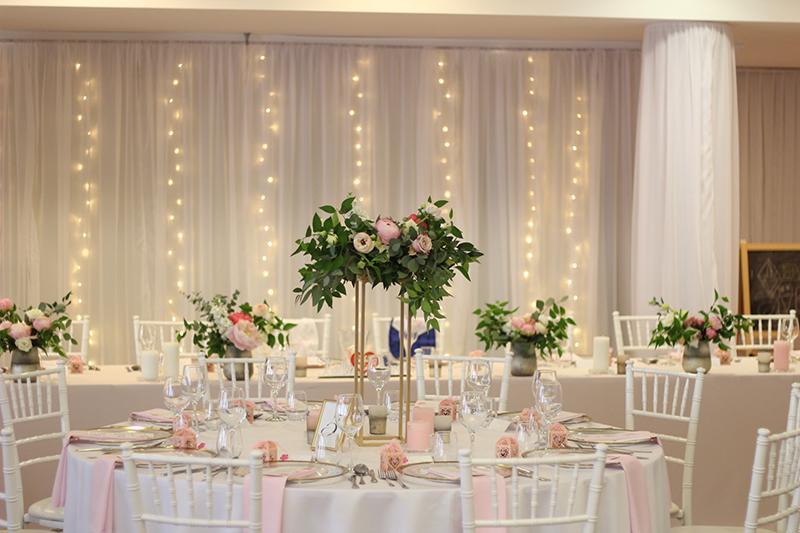 Ak snívate o svadbe v ružovom... :) - Obrázok č. 1