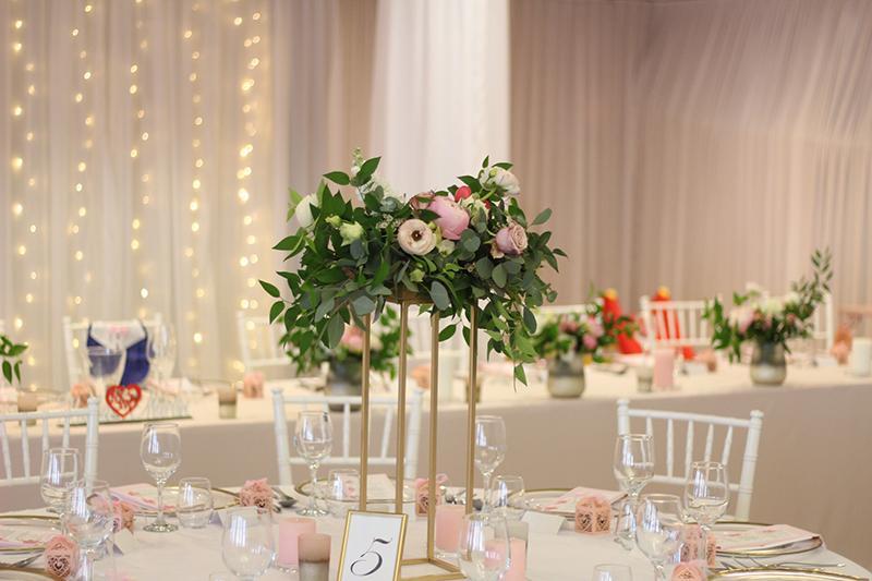 Ak snívate o svadbe v ružovom... :) - Obrázok č. 6